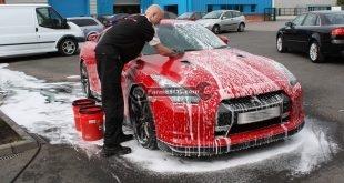 شستشو و نظافت اتومبیل